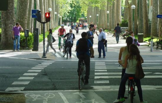 """<a href=""""/content/vitoria-gasteiz"""">Vitoria - Gasteiz</a> MODERNCyclists in Vitoria-Gasteiz.<a href=""""/thematic-categories/walking-and-cycling-enhancementsservices"""" typeof=""""skos:Concept"""" property=""""rdfs:label skos:prefLabel"""" datatype="""""""">Walking and cycling enhancements/services</a> <a href=""""/transport-modes/cycling"""" typeof=""""skos:Concept"""" property=""""rdfs:label skos:prefLabel"""" datatype="""""""">Cycling</a>"""