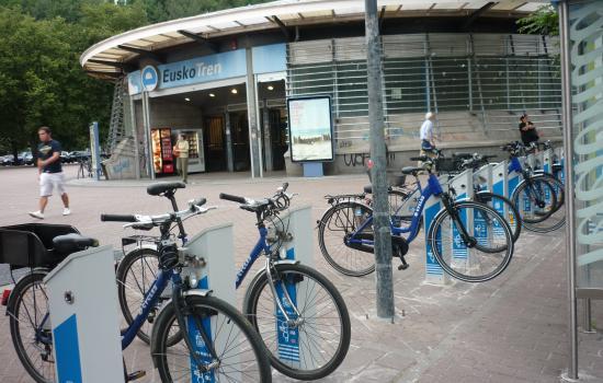 "<a href=""/city/donostia-san-sebastian-0"">Donostia - San Sebastián</a> ARCHIMEDESDBIZI: City-Bike Scheme in Donostia-San Sebastián<a href=""/thematic-categories/walking-and-cycling-enhancementsservices"" typeof=""skos:Concept"" property=""rdfs:label skos:prefLabel"" datatype="""">Walking and cycling enhancements/services</a>, <a href=""/thematic-categories/public-bicycles-bicycle-sharing"" typeof=""skos:Concept"" property=""rdfs:label skos:prefLabel"" datatype="""">Public bicycles / bicycle sharing</a> <a href=""/transport-modes/cycling"" typeof=""skos:Concept"" property=""rdfs:label skos:prefLabel"" datatype="""">Cycling</a>"