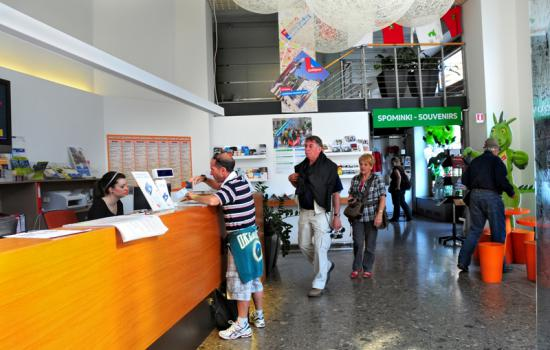 "<a href=""/city/ljubljana"">Ljubljana</a> ELANLjubljana opened mobility shops, called MOB-i-LNICA.<a href=""/thematic-categories/civitas-plus-ii"" typeof=""skos:Concept"" property=""rdfs:label skos:prefLabel"" datatype="""">CIVITAS PLUS II</a> <a href=""/transport-modes/bus"" typeof=""skos:Concept"" property=""rdfs:label skos:prefLabel"" datatype="""">Bus</a>, <a href=""/transport-modes/clean-vehicle"" typeof=""skos:Concept"" property=""rdfs:label skos:prefLabel"" datatype="""">Clean vehicle</a>, <a href=""/transport-modes/cycling"" typeof=""skos:Concept"" property=""rdfs:label skos:prefLabel"" datatype="""">Cycling</a>, <a href=""/transport-modes/walking"" typeof=""skos:Concept"" property=""rdfs:label skos:prefLabel"" datatype="""">Walking</a>, <a href=""/transport-modes/other"" typeof=""skos:Concept"" property=""rdfs:label skos:prefLabel"" datatype="""">Other</a>"