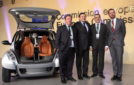 """<a href=""""/content/vitoria-gasteiz"""">Vitoria - Gasteiz</a> MODERNThe Mayor Javier Maroto presenting the electric car HIRIKO to the European Commission<a href=""""/thematic-categories/hybrid-clean-and-electric-vehicles"""" typeof=""""skos:Concept"""" property=""""rdfs:label skos:prefLabel"""" datatype="""""""">Hybrid, clean and electric vehicles</a> <a href=""""/transport-modes/clean-vehicle"""" typeof=""""skos:Concept"""" property=""""rdfs:label skos:prefLabel"""" datatype="""""""">Clean vehicle</a>"""