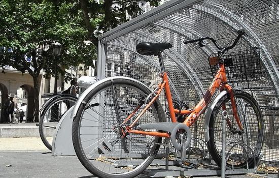 "<a href=""/content/vitoria-gasteiz"">Vitoria - Gasteiz</a> MODERNPrevious public bike system of Vitoria-Gasteiz<a href=""/thematic-categories/public-bicycles-bicycle-sharing"" typeof=""skos:Concept"" property=""rdfs:label skos:prefLabel"" datatype="""">Public bicycles / bicycle sharing</a> <a href=""/transport-modes/cycling"" typeof=""skos:Concept"" property=""rdfs:label skos:prefLabel"" datatype="""">Cycling</a>"