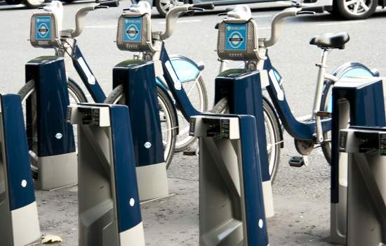 "Barclays bike rental station at Waterloo Place in London.<a href=""/thematic-categories/public-bicycles-bicycle-sharing"" typeof=""skos:Concept"" property=""rdfs:label skos:prefLabel"" datatype="""">Public bicycles / bicycle sharing</a> <a href=""/transport-modes/cycling"" typeof=""skos:Concept"" property=""rdfs:label skos:prefLabel"" datatype="""">Cycling</a>"