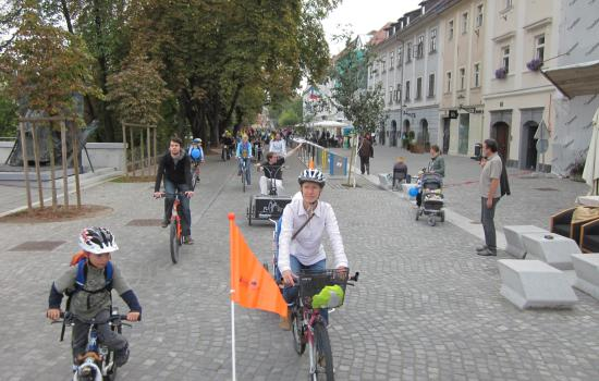 """<a href=""""/content/ljubljana"""">Ljubljana</a> ELANLjubljana has changed in the last few years: it became """"greener"""", resident- and visitor-friendlier and it developed also in the field of sustainable mobility – thanks to CIVITAS ELAN, among others.<a href=""""/thematic-categories/civitas-plus-ii"""" typeof=""""skos:Concept"""" property=""""rdfs:label skos:prefLabel"""" datatype="""""""">CIVITAS PLUS II</a> <a href=""""/transport-modes/bus"""" typeof=""""skos:Concept"""" property=""""rdfs:label skos:prefLabel"""" datatype="""""""">Bus</a>, <a href=""""/transport-modes/clean-vehicle"""" typeof=""""skos:Concept"""" property=""""rdfs:label skos:prefLabel"""" datatype="""""""">Clean vehicle</a>, <a href=""""/transport-modes/cycling"""" typeof=""""skos:Concept"""" property=""""rdfs:label skos:prefLabel"""" datatype="""""""">Cycling</a>, <a href=""""/transport-modes/walking"""" typeof=""""skos:Concept"""" property=""""rdfs:label skos:prefLabel"""" datatype="""""""">Walking</a>, <a href=""""/transport-modes/other"""" typeof=""""skos:Concept"""" property=""""rdfs:label skos:prefLabel"""" datatype="""""""">Other</a>"""