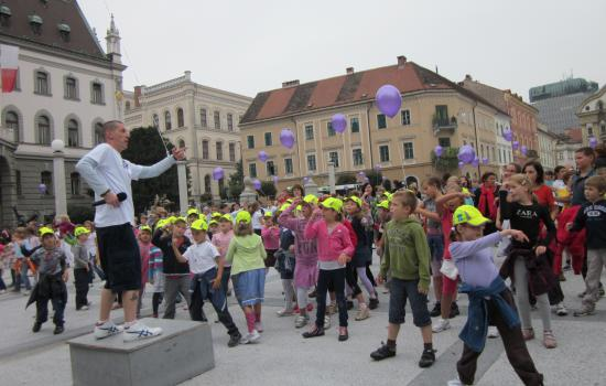 """<a href=""""/content/ljubljana"""">Ljubljana</a> ELANTogether with Kazina dance school, CIVITAS ELAN team organised a massive dancing event, a """"flash-mob"""" entitled """"I Breathe Dance"""", emphasising the efforts to improve air quality in the city.<a href=""""/thematic-categories/civitas-plus-ii"""" typeof=""""skos:Concept"""" property=""""rdfs:label skos:prefLabel"""" datatype="""""""">CIVITAS PLUS II</a> <a href=""""/transport-modes/bus"""" typeof=""""skos:Concept"""" property=""""rdfs:label skos:prefLabel"""" datatype="""""""">Bus</a>, <a href=""""/transport-modes/clean-vehicle"""" typeof=""""skos:Concept"""" property=""""rdfs:label skos:prefLabel"""" datatype="""""""">Clean vehicle</a>, <a href=""""/transport-modes/cycling"""" typeof=""""skos:Concept"""" property=""""rdfs:label skos:prefLabel"""" datatype="""""""">Cycling</a>, <a href=""""/transport-modes/walking"""" typeof=""""skos:Concept"""" property=""""rdfs:label skos:prefLabel"""" datatype="""""""">Walking</a>, <a href=""""/transport-modes/other"""" typeof=""""skos:Concept"""" property=""""rdfs:label skos:prefLabel"""" datatype="""""""">Other</a>"""