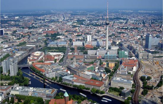 "<a href=""/content/berlin"">Berlin</a> TELLUSview of the city<a href=""/thematic-categories/civitas-plus-ii"" typeof=""skos:Concept"" property=""rdfs:label skos:prefLabel"" datatype="""">CIVITAS PLUS II</a> <a href=""/transport-modes"" typeof=""skos:Concept"" property=""rdfs:label skos:prefLabel"" datatype=""""></a>"