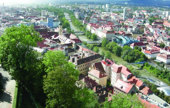 "<a href=""/city/graz"">Graz</a> TRENDSETTERaerial view<a href=""/thematic-categories/civitas-plus-ii"" typeof=""skos:Concept"" property=""rdfs:label skos:prefLabel"" datatype="""">CIVITAS PLUS II</a> <a href=""/transport-modes"" typeof=""skos:Concept"" property=""rdfs:label skos:prefLabel"" datatype=""""></a>"