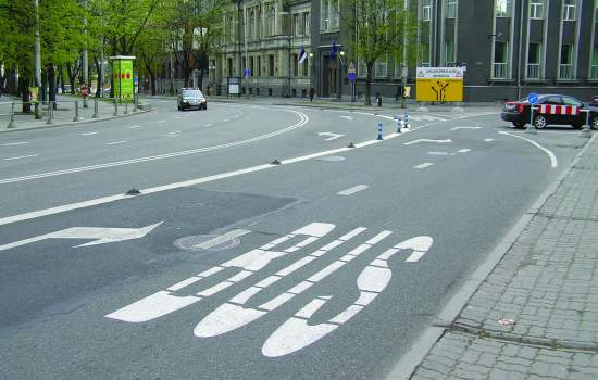 """<a href=""""/content/suceava"""">Suceava</a> bus priority lanes at intersections, GPS equipment on buses<a href=""""/thematic-categories/service-improvements"""" typeof=""""skos:Concept"""" property=""""rdfs:label skos:prefLabel"""" datatype="""""""">Service improvements</a>, <a href=""""/thematic-categories/its-based-enhancement-public-transport"""" typeof=""""skos:Concept"""" property=""""rdfs:label skos:prefLabel"""" datatype="""""""">ITS-based enhancement of public transport</a> <a href=""""/transport-modes/bus"""" typeof=""""skos:Concept"""" property=""""rdfs:label skos:prefLabel"""" datatype="""""""">Bus</a>"""