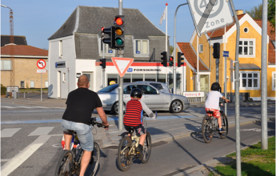 "<a href=""/content/aalborg"">Aalborg</a> ARCHIMEDESCyclists are directed through the intersection even when the signal is red<a href=""/thematic-categories/civitas-plus-ii"" typeof=""skos:Concept"" property=""rdfs:label skos:prefLabel"" datatype="""">CIVITAS PLUS II</a> <a href=""/transport-modes/cycling"" typeof=""skos:Concept"" property=""rdfs:label skos:prefLabel"" datatype="""">Cycling</a>"